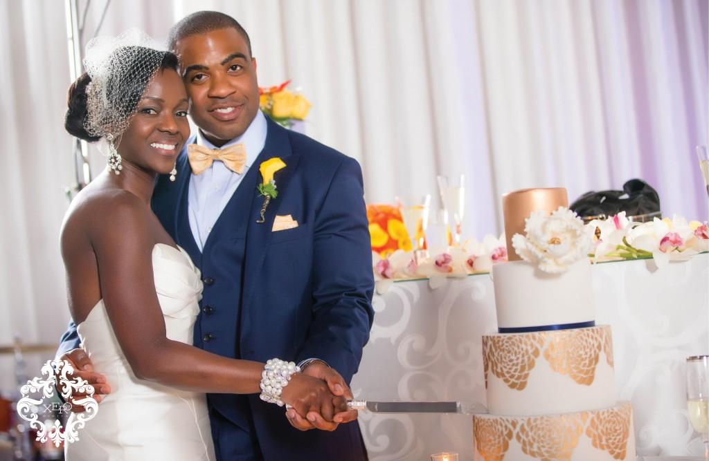 Toronto Wedding Photography cake cutting